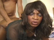 Brown mom gets her bubble butt plugged